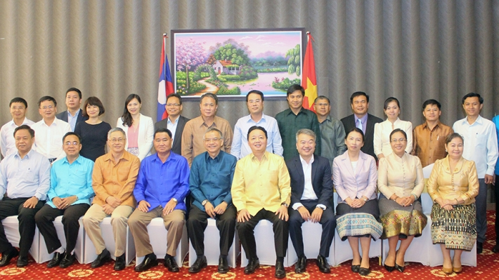 20170612 VTN and Lao Minister meet on PB Group Photo sm3